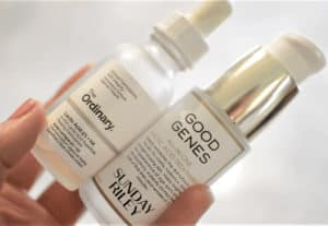 Read more about the article Face Serum Benefits & Which Serum is Best