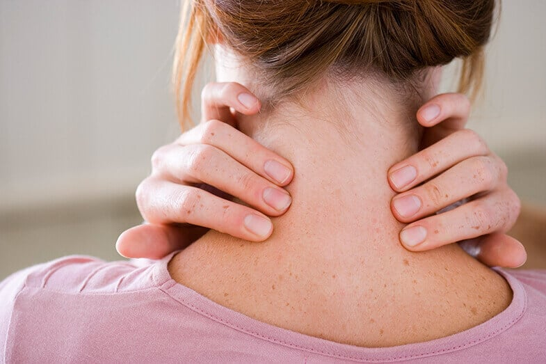 Dry Skin On Neck – Causes and Treatments