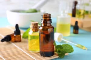 Tea Tree Oil For Oily Skin – Benefits and Tips