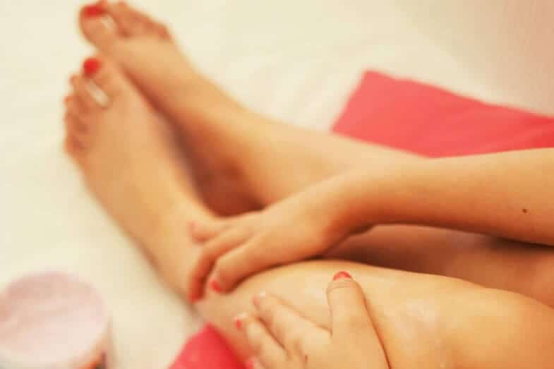 Removing Dead Skin on Legs – 6 Essential Tips