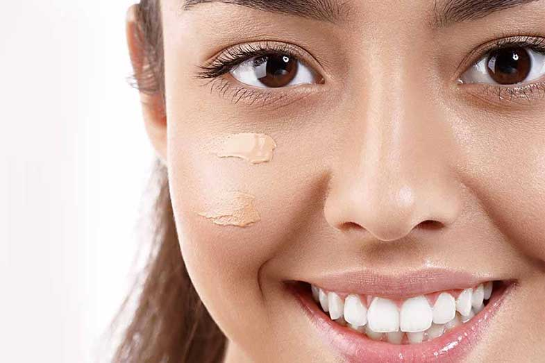How Long Should You Wait to Apply Foundation after Moisturizer?