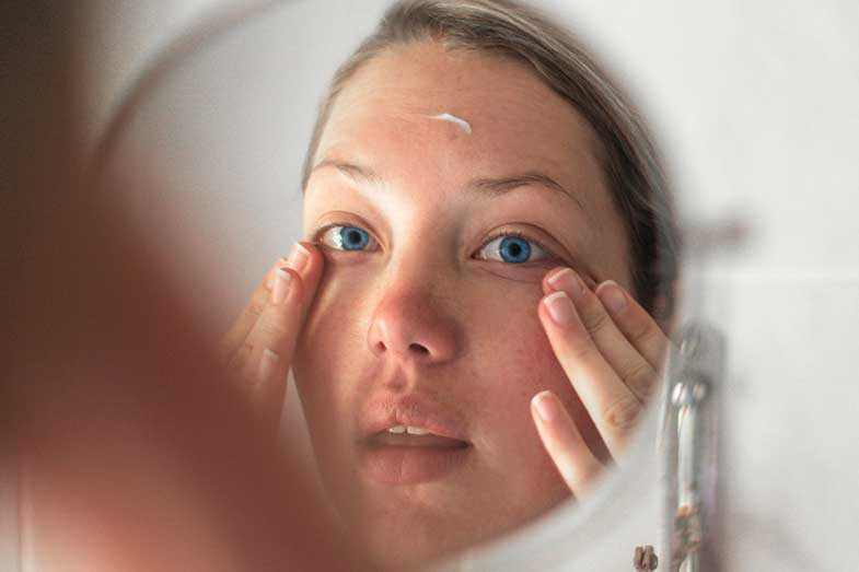 How to Soothe Irritated Skin on Face? 12 Tips