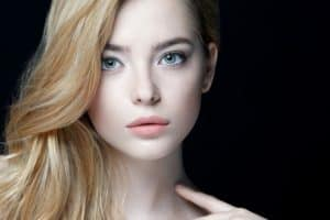 Read more about the article Alabaster Skin Tone: What Is It? (With Pictures)