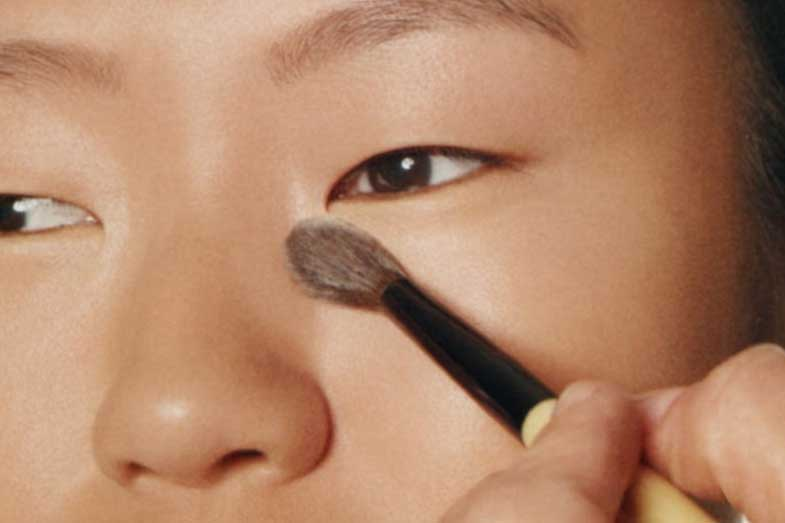 Asian Skin Tone and Foundations (With Pictures)