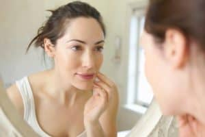 Read more about the article How to Get Pale Skin? (Fast, Natural Tips)