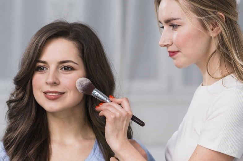 makeup for pink skin tone
