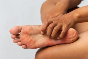 Read more about the article Bottom of Your Feet Itchy Meaning – Medical and Superstition